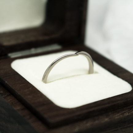 Handmade recycled platinum wishbone wedding ring by Julie Nicaisse - Jewellery Designer in London
